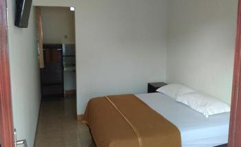 Ninety Nine Guesthouse Lombok - Standard Double Regular Plan