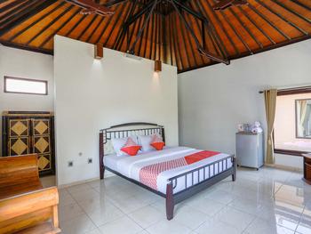 OYO 1651 Purnama Beach Hotel Lombok - Deluxe Double Room Regular Plan