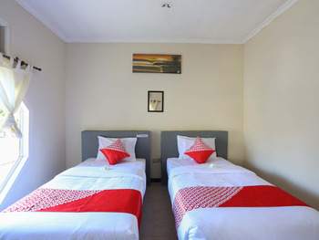 OYO 1651 Purnama Beach Hotel Lombok - Standard Twin Room Regular Plan