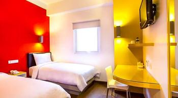 Amaris Hotel Cihampelas - Smart Room Twin Special Promo Last Minute Deal 2018