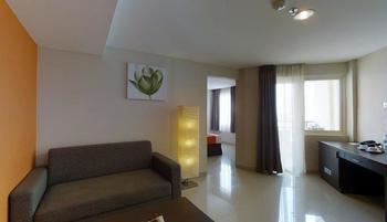 The Gloria Suites Jakarta - Family Suite ( 3 Person ) Best Value Deals 25%