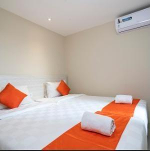 The Gloria Suites Jakarta - Family Suite ( 4 Person ) Best Value Deals 25%