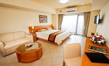 Puri KIIC Golf View Hotel Karawang - Deluxe Room Hot Deal Promo 19% Off!