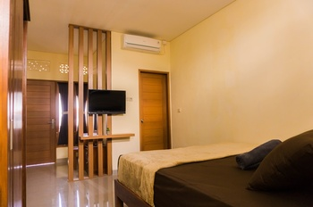 Cakra House Bali - Deluxe Room Only Regular Plan