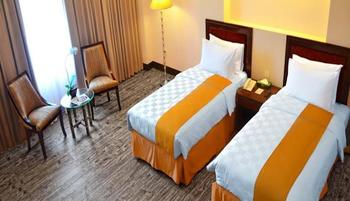 Kyriad Hotel BumiMinang Padang - Deluxe Twin Room Only Regular Plan