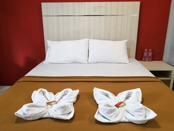Metro Malioboro Living Yogyakarta - Superior Room breakfast Regular Plan