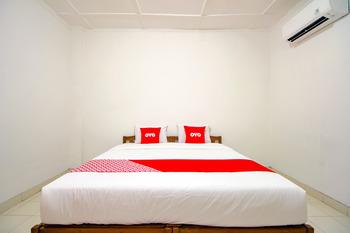 OYO 1602 Trim Tiga Hotel Yogyakarta - Standard Double Room Regular Plan