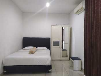 OYO 2951 Graha Ht Sumantri Guest House