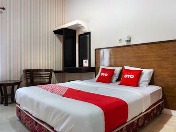 OYO 3804 Hotel Tegar Asri Malang - Deluxe Double Room Last Minute Deal