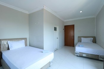 Sky Airlines Guesthouse Tangerang - Family Room Refundable 30% Special Discount