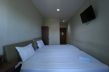 Sky Airlines Guesthouse Tangerang - Standard Twin Room Non Refundable Regular Plan