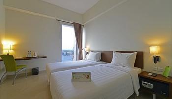 Whiz Prime Cifest Cikarang - Standard Room Only Regular Plan