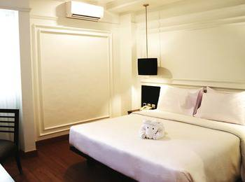 Grand Mahkota Hotel Pontianak Pontianak - Superior Queen  Regular Plan