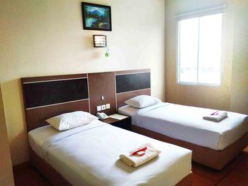 Parma Indah Hotel  Pekanbaru - Superior Room Regular Plan