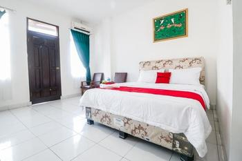RedDoorz @ Jalan Diponegoro Lampung Bandar Lampung - Premium Room 24 Hours Deal