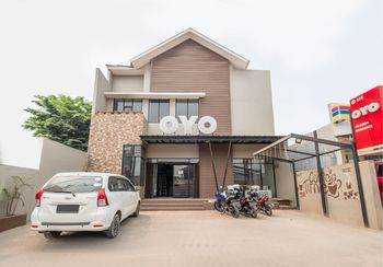 OYO 535 Cileunyi Residence