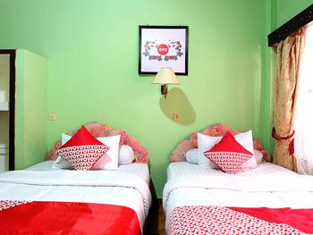 OYO 731 Hotel Matahari 1 Jambi - Standard Twin Room Regular Plan