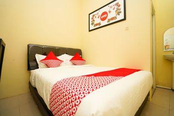 OYO 998 La'ana Residence Syariah Surabaya - Standard Double Room Regular Plan