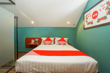 OYO 316 Umada Beds & Lounge Syariah Surabaya - Standard Double Last Minute