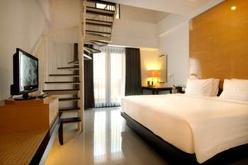 Hotel Santika Premier Malang - Deluxe Room Queen Offer 2020 Last Minute Deal