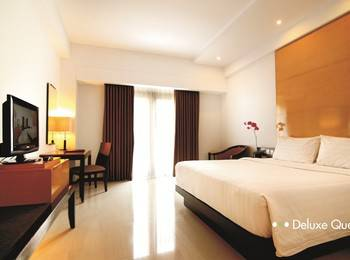 Hotel Santika Premier Malang - Deluxe Room Queen Regular Plan