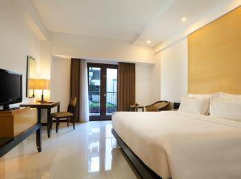 Hotel Santika Premier Malang - Deluxe Room Queen Staycation Offer Room Only Regular Plan