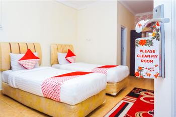 OYO 362 Hotel Siti Nurbaya Syariah Padang - Deluxe Twin Regular Plan