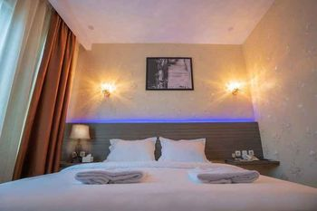 De'Tonga Hotel Medan - Superior Double Room Only Discount