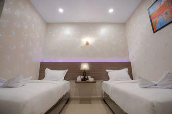 De'Tonga Hotel Medan - Deluxe Twin Room with Breakfast Discount