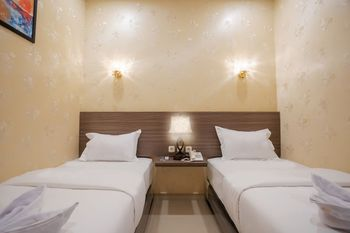 De'Tonga Hotel Medan - Superior Twin Room with Breakfast Discount