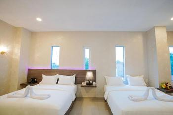 De'Tonga Hotel Medan - Family Room with Breakfast Discount