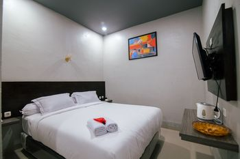 De'Tonga Hotel Medan - Superior Double Room with Breakfast for 1 Discount
