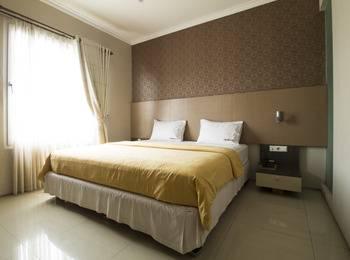 RedDoorz @Cipaganti 2 Bandung - Reddoorz Room Special Promo Gajian