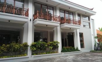 Wahyu Dana Beach Cottage