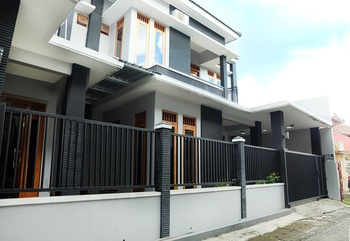 Simply Homy Guest House Gejayan Yogyakarta - House 6 Bedrooms House 6 Bedrooms - Special Deals