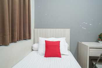 M25 Eksklusif near Soetta Jakarta Airport Tangerang - Standard Non-Refundable Stay More, Pay Less