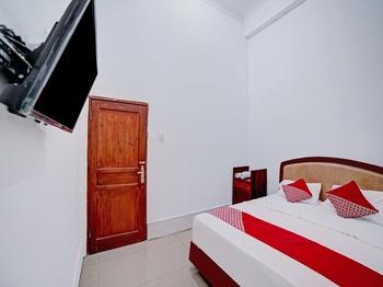 OYO 90387 Sepakat Guest House Medan - Standard Double Room Last Minute Deal