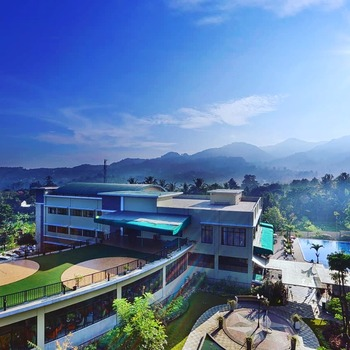 The Green Peak Hotel & Convention