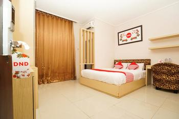 OYO 511 Grace Residence Surabaya -  Deluxe Double Room Regular Plan