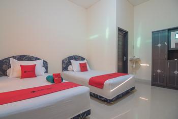 RedDoorz near Living Plaza Balikpapan 2 Balikpapan - RedDoorz Twin Room Basic Deal