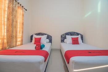 RedDoorz near Living Plaza Balikpapan 2 Balikpapan - RedDoorz Twin Room with Breakfast Last Minute