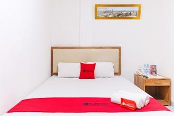 RedDoorz @ Jalan Mojopahit Medan Medan - RedDoorz Suite Room Peyuk