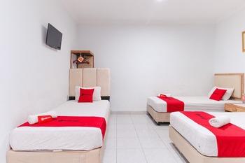 RedDoorz @ Jalan Mojopahit Medan Medan - RedDoorz Family Room Peyuk