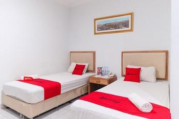 RedDoorz @ Jalan Mojopahit Medan Medan - RedDoorz Twin Room Basic Deal