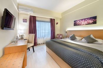 Lux Tychi Hotel Malang Malang - Superior King Room NR Min 2 Nights