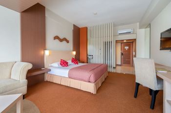 Lux Tychi Hotel Malang Malang - Executive Suite NR Min 2 Nights