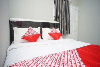 OYO 1007 Alletha Guest House 2 Balikpapan - Deluxe Double Room Regular Plan