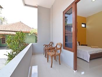 RedDoorz @ Uluwatu Bali Bali - RedDoorz Room with Breakfast  AntiBoros