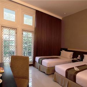 Vio Hotel Cimanuk Bandung - Deluxe Balcony Regular Plan
