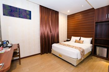 The Batik Hotel Medan - Business Class Queen Bed Regular Plan